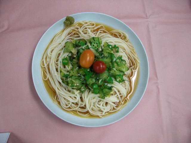 きゅうりとオクラのとろ~り冷やし麺(メニュー提案者 松根八重子さん)